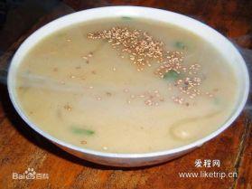 Đậu mạt: Nghiền gạo kê thành bột, nấu thành canh, cho thêm rau xanh và đậu nành.